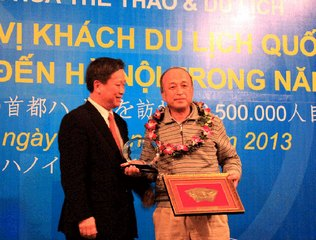 Hanoi welcomes the 2.5 millionth international visitor