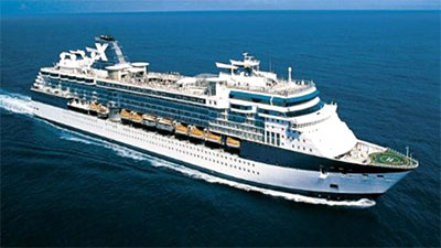 Luxury cruise liner arrives at Chan May port