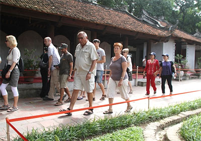 Over 6 million foreign tourists visit Viet Nam
