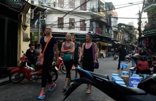 Vietnam lets visa-free tourists stay longer, may add more countries to waiver list