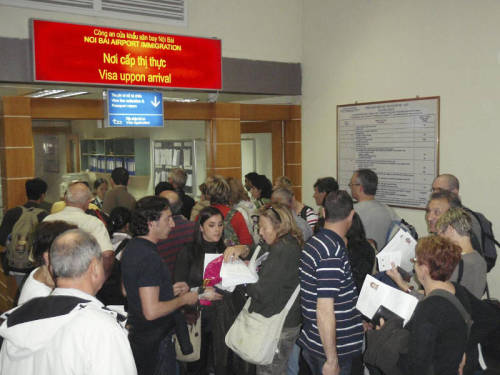 Getting visa in Hanoi airport