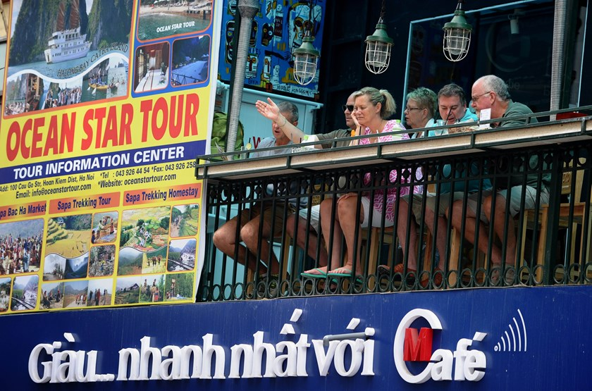 Vietnam slashes visa fees in bid to boost tourism