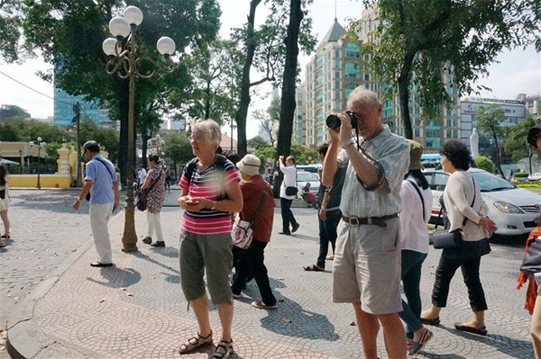 Vietnam visa fees for int'l tourists to fall sharply next month