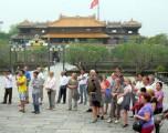 Tough visa process hurts Vietnam tourism