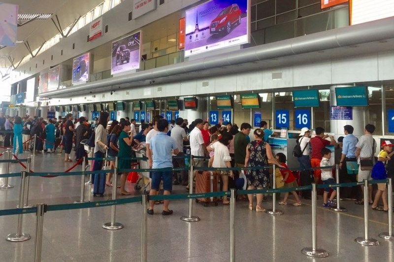 Noi Bai airport detected one Chinese tourist suspicious of illegal entry