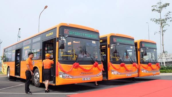 Jetstar shuttle bus from Noi Bai Airport to Hanoi downtown