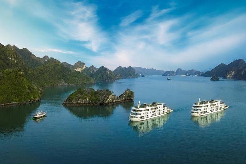 Kỷ nguyên du thuyền Hạ Long